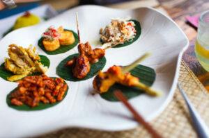 Traditionelles Essen in Indonesien kostet meist wenig