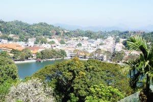 Kandy Lake auf der Sri Lanka Rundreise
