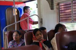 Fortbewegung mit Zug auf Sri Lanka