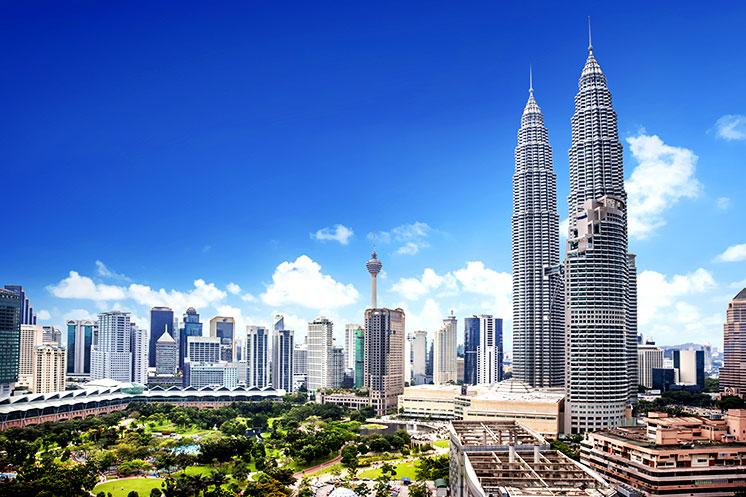 Petronas Towers in Kuala Lumpur während der Rundreise
