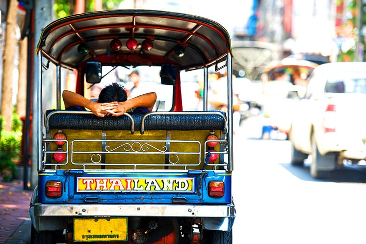 Fahren mit dem Tuk Tuk in Bangkok kostet nicht viel